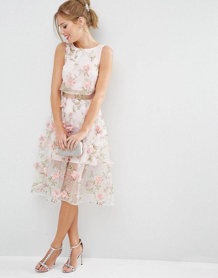 Rose | ASOS Salon - Robe mi-longue 3D à top court - Rose floral chez ASOS