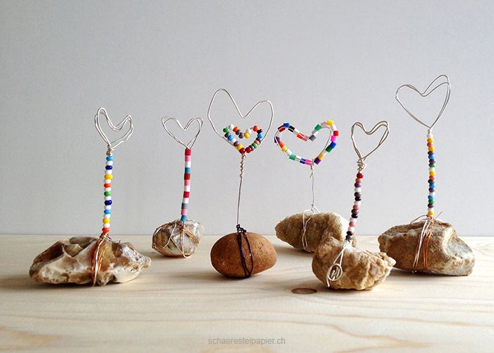 DIY tutorial für den Muttertag: Herzen aus Draht gebogen als Notizhalter