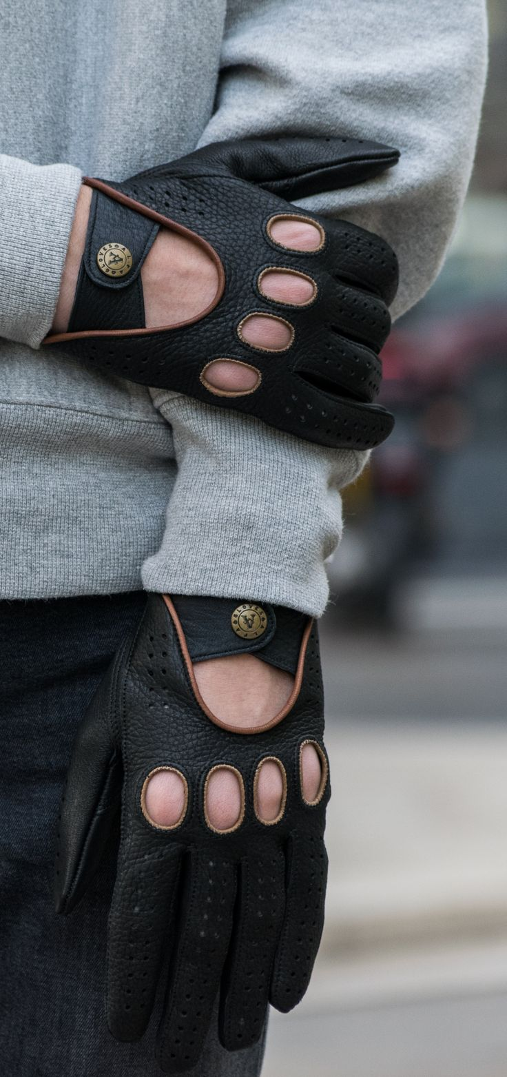 Men's deerskin driving gloves. Webshop: www.alpagloves.com