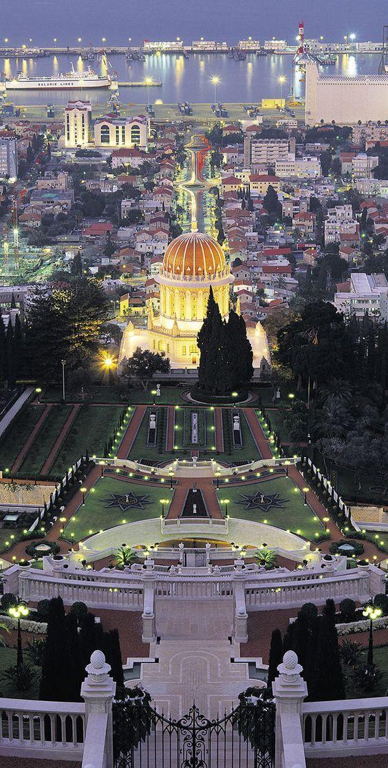 Nadie, con un mínimo conocimiento de la realidad de Israel, puede negar que este país es una democracia que respeta los derechos de las minorias y de los diferentes credos y religiones. No en vano …