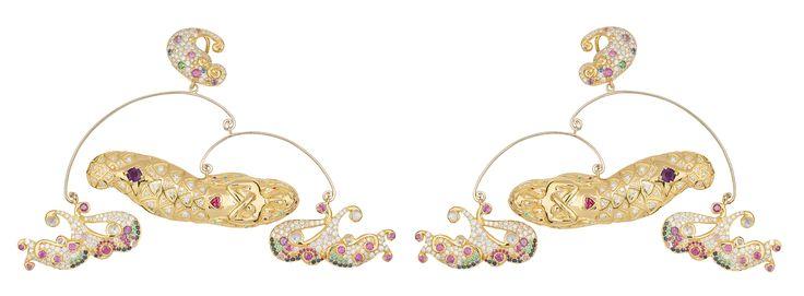 """Collection """"Eau Rêvante"""" mobile earrings by Sylvie Corbelin"""