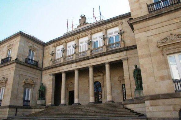 #VitoriaGasteiz. El Palacio de la #Diputación data de 1833 y estilo #neoclásico tardío. #Álava vía @patrimonioalava