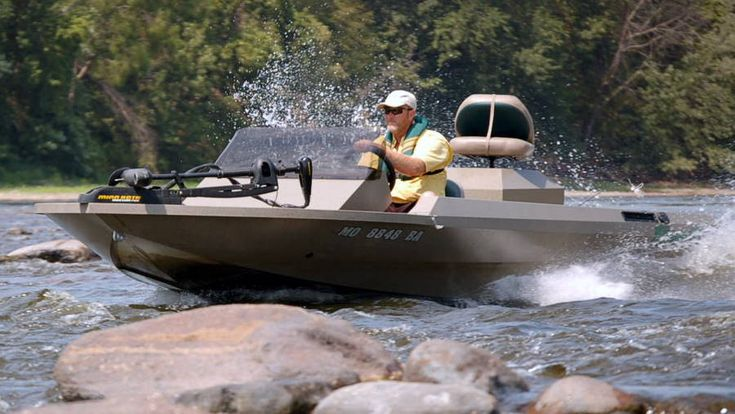 Riverpro boats shallow water fishing boats jet boats for Shallow water fishing boats