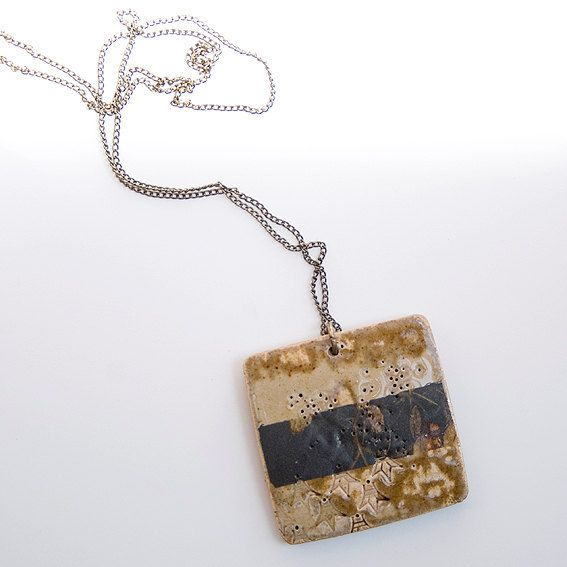 Handmade stoneware necklace. Floating leaves by ferceramics