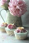 Shabby Chic cupcakes <3: Kitchens Interiors, Flowers Cupcakes, Pink Flowers, Kitchens Design, Floral Cupcakes, Shabby Chic Cupcakes, Pink Cupcakes, Design Kitchens, Teas Parties