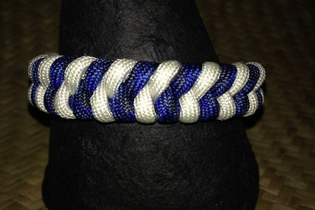 Denim & White #paracord #fishtail