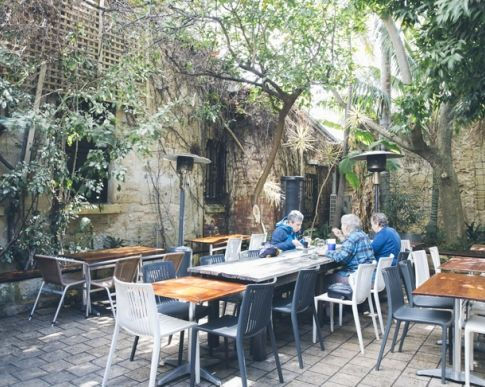 There's no place for monogamy in the world of breakfasts. So when you are feeling a bit frisky and ready to roam, head to one of these Perth breakfast joints. You know, when you get that seven year waffle itch.  Here are 25 amazing Perth breakfast spots that you may not have tried.