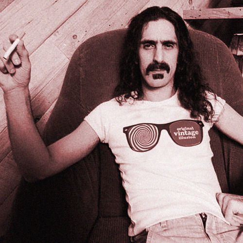 Frank zappa wears x-ray specs t-shirt    Check out this original t-shirt for sale on www.vintage.it!