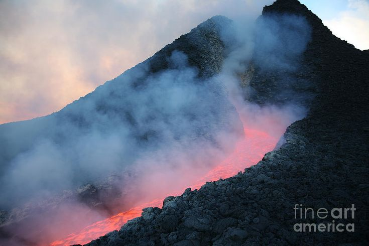 Flowing Photograph - Lava Flowing From Base Of Hornito by Richard Roscoe