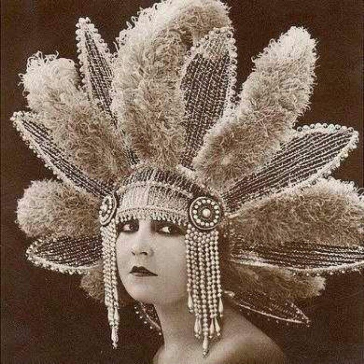 Vintage 1920s Headdress...Obviously not good for disguises, unless you plan to attend a costume party.