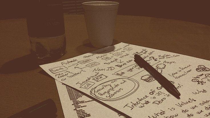 Avere idee è facile; è la loro attuazione che è difficile....Carta e Penna, elementi essenziali nella vita di un social media manager