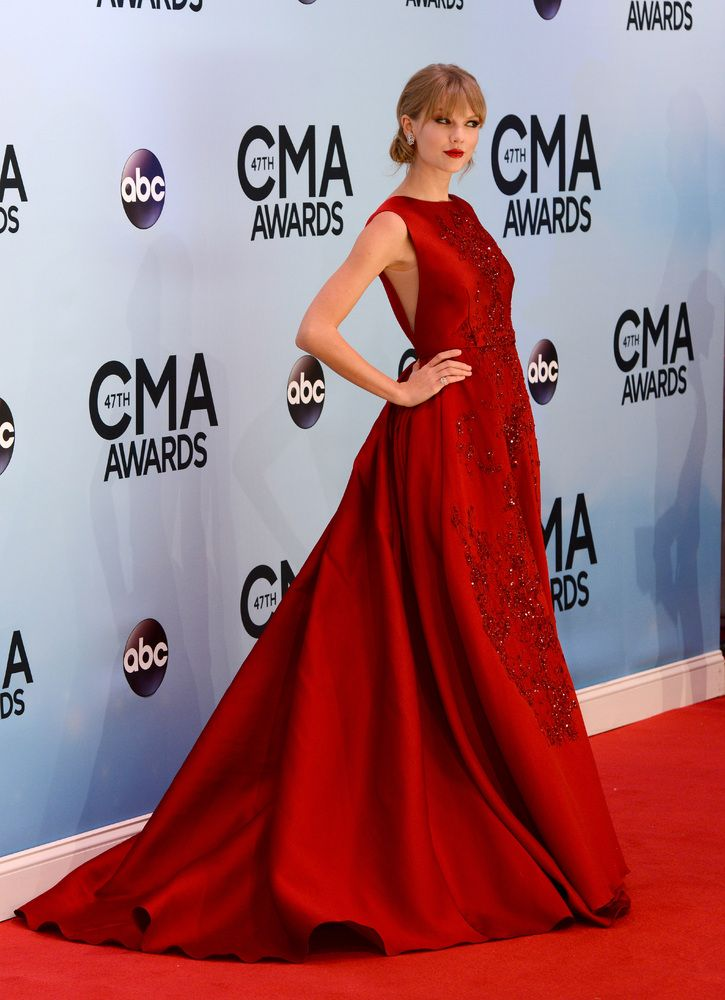 CMA Awards 2014 Red Carpet: See All The Fashion Hits ...