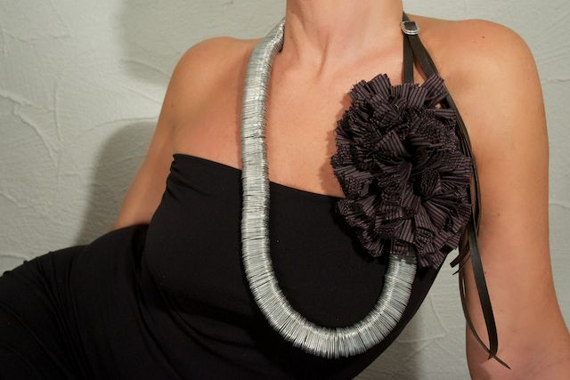 Necklace Mod. Uma - Recycled jersey and aluminum pull tabs #handmade in #Italy: discover our project about #upcycling #ecojewelery #ecodesign at http://www.dalaleo.com