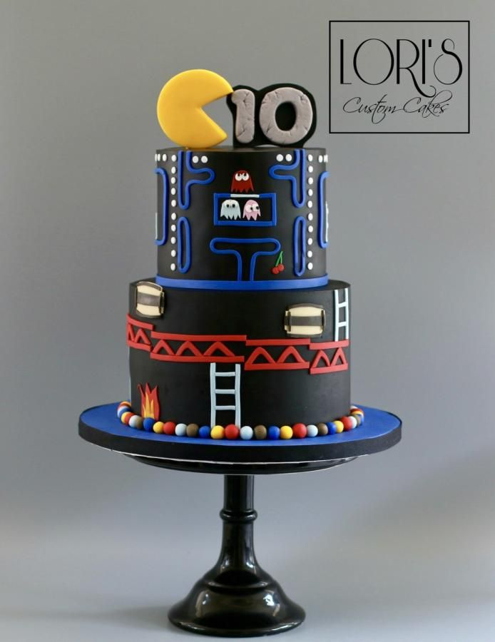Pac Man Donkey Kong  by Lori Mahoney (Lori's Custom Cakes)