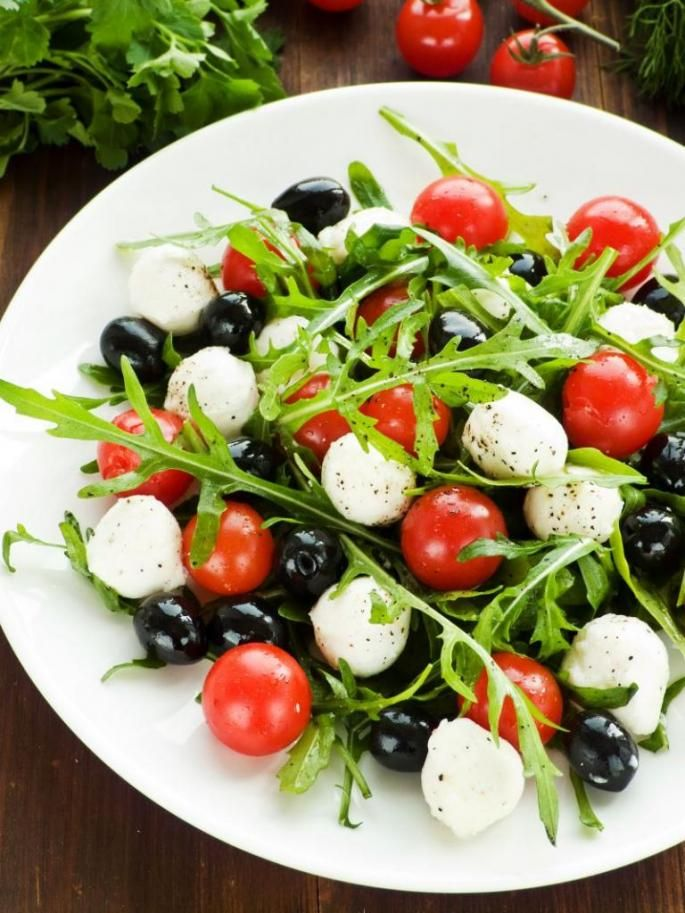 Salata de mozzarella