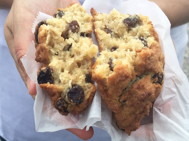 Levain Bakery In Nyc Offers Four Types Of Cookies We Recommend Trying All Four Their Oatmeal
