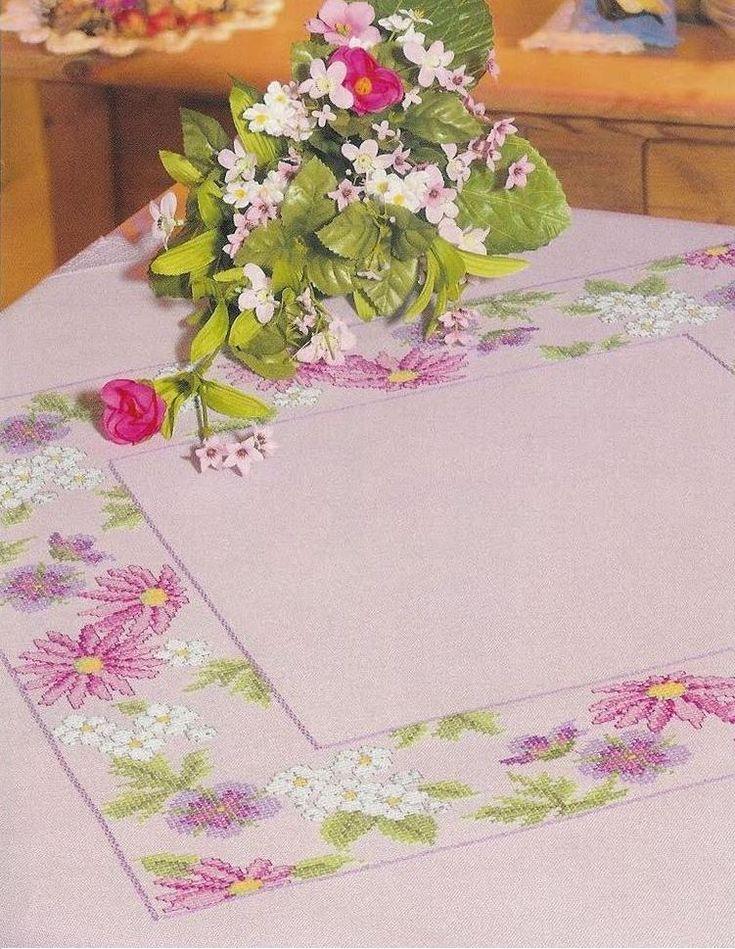 etamin masa örtüsü üzerine çiçek deseni işleme