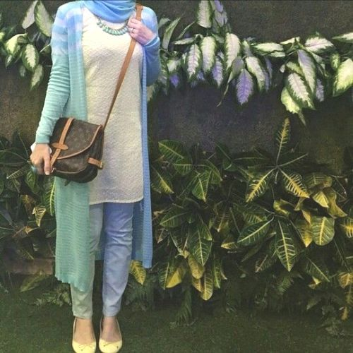 colorful long cardigan hijab style-Beautiful hijab trends 2016 http://www.justtrendygirls.com/beautiful-hijab-trends-2016/
