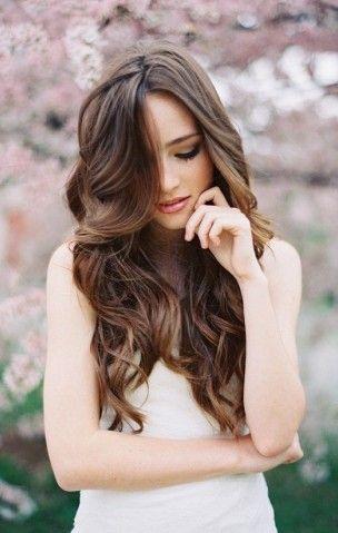 Quale taglio di capelli è adatto a me ......Capelli lunghissimi!................  Sei un'amante delle lunghezze vertiginose. Ti piace 'coccolare' i tuoi capelli perché rappresentano una parte di te e vanno per tale ragione curati in ogni piccola ciocca. Ondulata, morbida o liscia la chioma fluente sulla tua testa sarebbe sempre perfetta e senza un capello fuori posto!  Il 14% degli utenti ha ottenuto questo risultato.