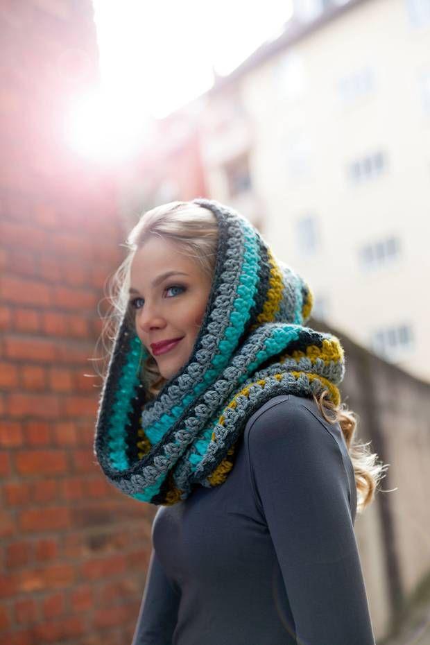 Diese Schals häkeln sich fast von selbst - und bringen uns danach warum durch Herbst und Winter. Drei schicke Schals zum Selberhäkeln.