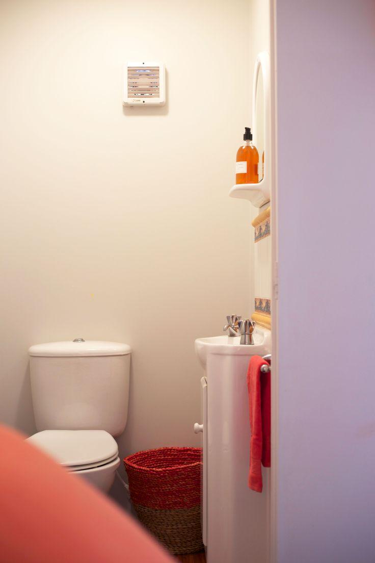 #Cute #ensuite #hit of #orange. Styling by Placesandgraces