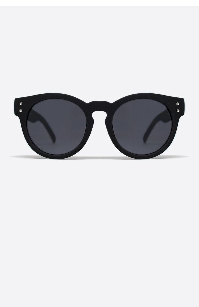 """<p><span style=""""font-family: arial, helvetica, sans-serif; font-size: small;""""><strong>Description</strong></span><br /><span style=""""font-family: arial, helvetica, sans-serif; font-size: small;"""">- By QUAY AUSTRALIA Eyewear</span><br /><span style=""""font-family: arial, helvetica, sans-serif; font-size: small;"""">- Nickel Free Metal Frame</span><br /&g..."""