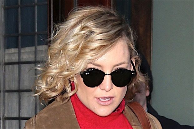Kate Hudson Felt 'Abandoned' by Biological Father Bill Hudson and More Celebrity News