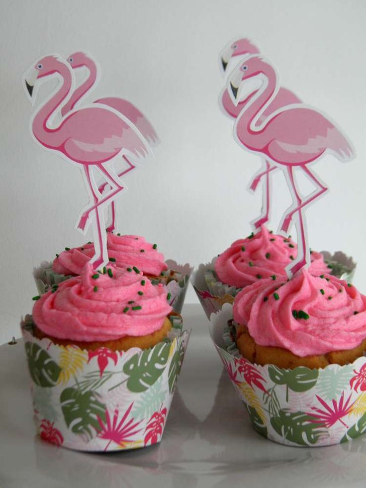 Flamingo birthday party cupcakes! See more party ideas at CatchMyParty.com!