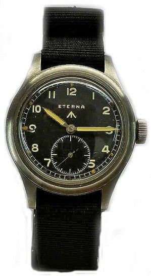 This Eterna military watch is in very nice condition. It was a British issue watch during the Second World War.It is a rare watch with the original dial luminous on the numbers and hands.