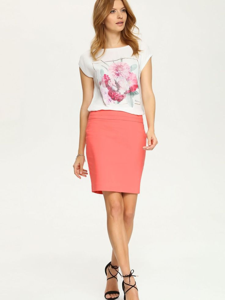 Fusta Top Secret Indiscreet Coral. Fusta cu croi drept pe care o poti purta pentru a obtine un look smart-casual. Lungime fusta: 50 cm.