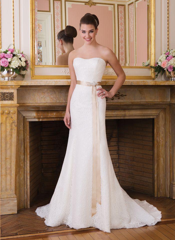 Elegant Sweetheart A-line Court Train Unique Wedding Dress Sweetheart 6008  2014