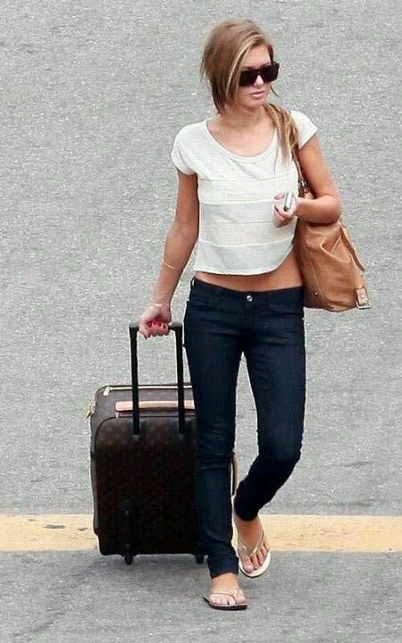 Audrina Patridge... perfect and comfy traveling outfit!