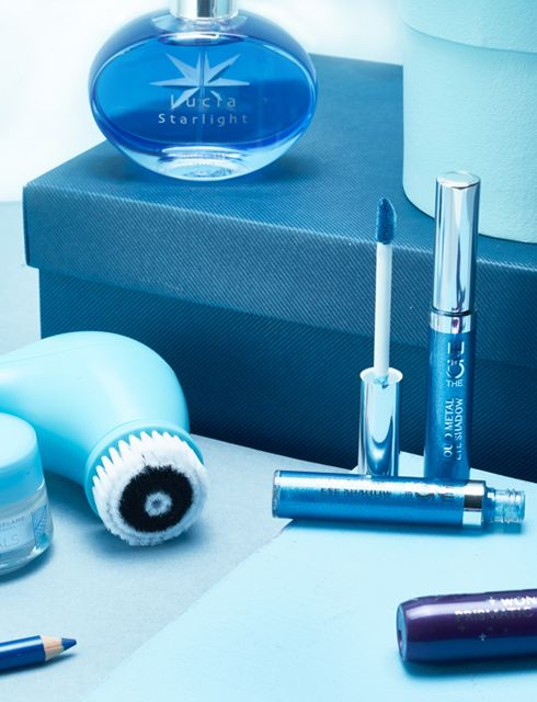We love all things blue, whether it's an eyeshadow or the colour of the sky!