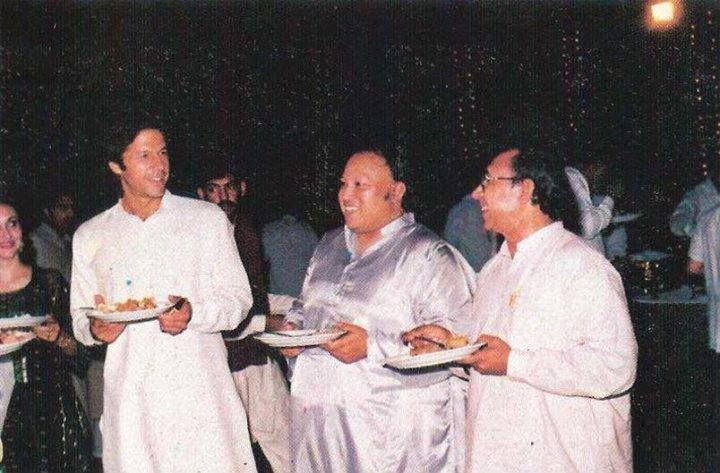 Nusrat fateh ali khan having dinner alongside SIR IMRAN