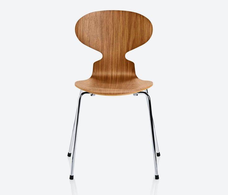 Cadeira Formiga, Arne Jacobsen, 1952  Apesar de sua forma minimalista e esbelta, a Cadeira Formiga de Arne Jacobsen é extremamente confortável, sua madeira moldada faz ela ser suficientemente flexível para ajustar-se aos contornos do corpo e movimentos. Devido ao seu design de concha ela alcança uma beleza e elegância que faz a cadeira de Jacobsen um dos seus projetos mais conhecidos.