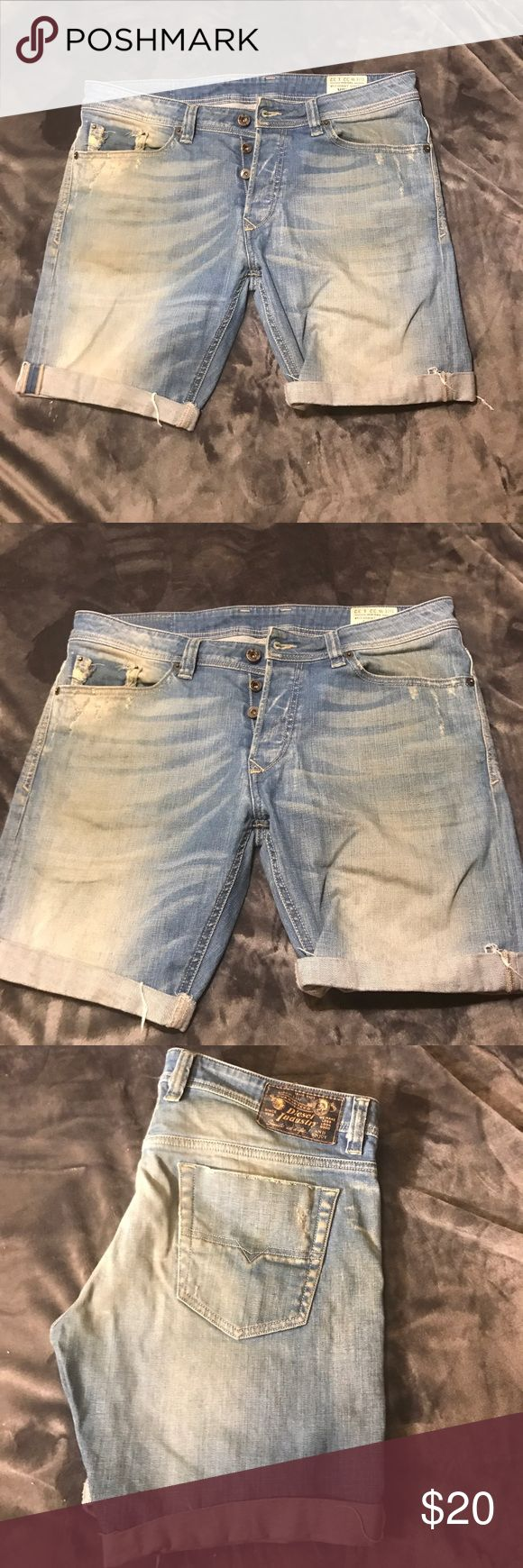 Diesel vintage Bermuda jeans shorts Vintage. W32  show signs of wear. Specially on front on wrinkles. Great if you want to DIY distress shorts. Diesel Shorts Bermudas