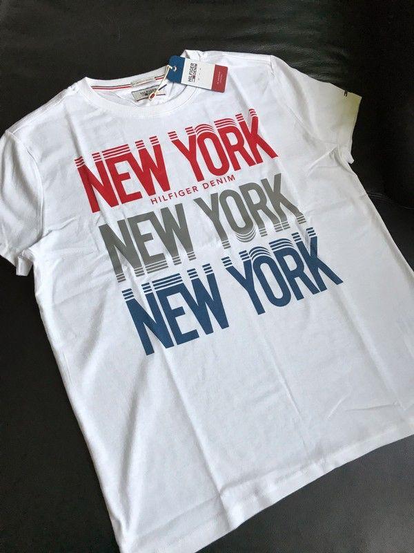 Moje Panské tričko Tommy Hilfiger z kolekce Denim od Tommy Hilfiger! Velikost 50 / L za650 Kč. Mrkni na to: http://www.vinted.cz/muzi/tricka-s-potiskem/17704510-panske-tricko-tommy-hilfiger-z-kolekce-denim.