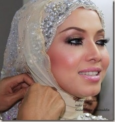 the hijab  Even though I'm not a muslim, I can appreciate the beauty of another......