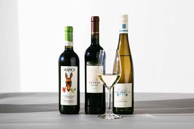 De billige gode. Mosbacher Riesling Trocken, Esteva og Asinoi Barbera d´Asti er tre av de beste vinkjøpene du kan gjøre nå. Foto: Jimmy Linus