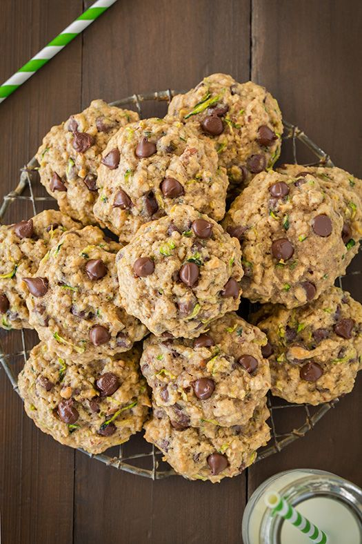 Zucchini Oat Chocolate Chip Cookies - so delicious!! Just like the cookies grandma made! They taste just like zucchini bread but in cookie form.