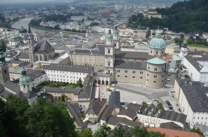 Salzburg Hop-On Hop-Off Bus Tour See Salzburg's top attractions on a hop-on hop-off bus tour. Choose from a 1- or 2-day ticket and create your own sightseeing schedule, hopping off at popular attractions as and when you please. Travel in the comfort of an air-conditioned coach and listen to informative commentary on the headset provided. Enjoy all that Salzburg has to offer including the Hellbrunn Palace, Stiegl Brauwelt (Stiegl World of Beer) and the Mozartsteg bridge. ...