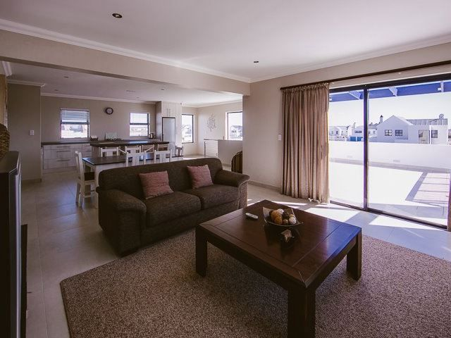Stan's Place - This modern and simple holiday home is situated in Blue Lagoon in Langebaan and is an ideal place for a holiday to this beautiful area. This is an upstairs apartment and is well appointed for a comfortable ... #weekendgetaways #langebaan #southafrica