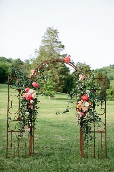beautiful floral arch | Kristyn Hogan #wedding