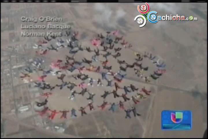 Dos Records Mundiales Realizados Por 117 Mujeres Paracaidistas #Video