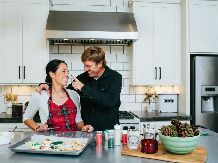 Fixer Upper Sneak Peek Holidays With Chip And Jo At