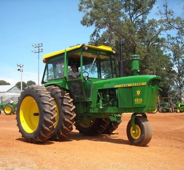 John Deere 4020 W Single Front Wheel Pinterest Tractors And Old