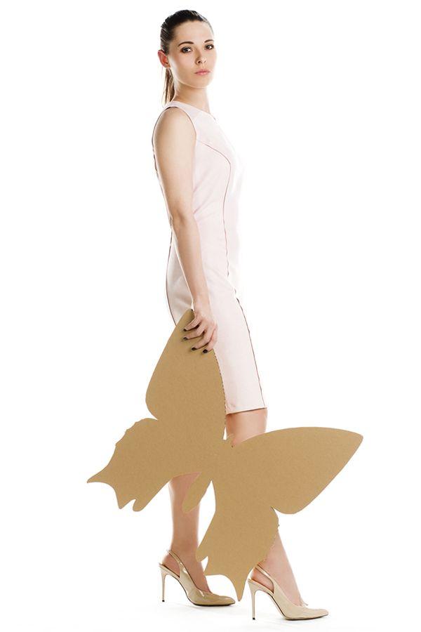 Beżowa sukienka z zamszu. Beige suede dress.