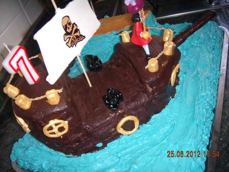 pirate's cake