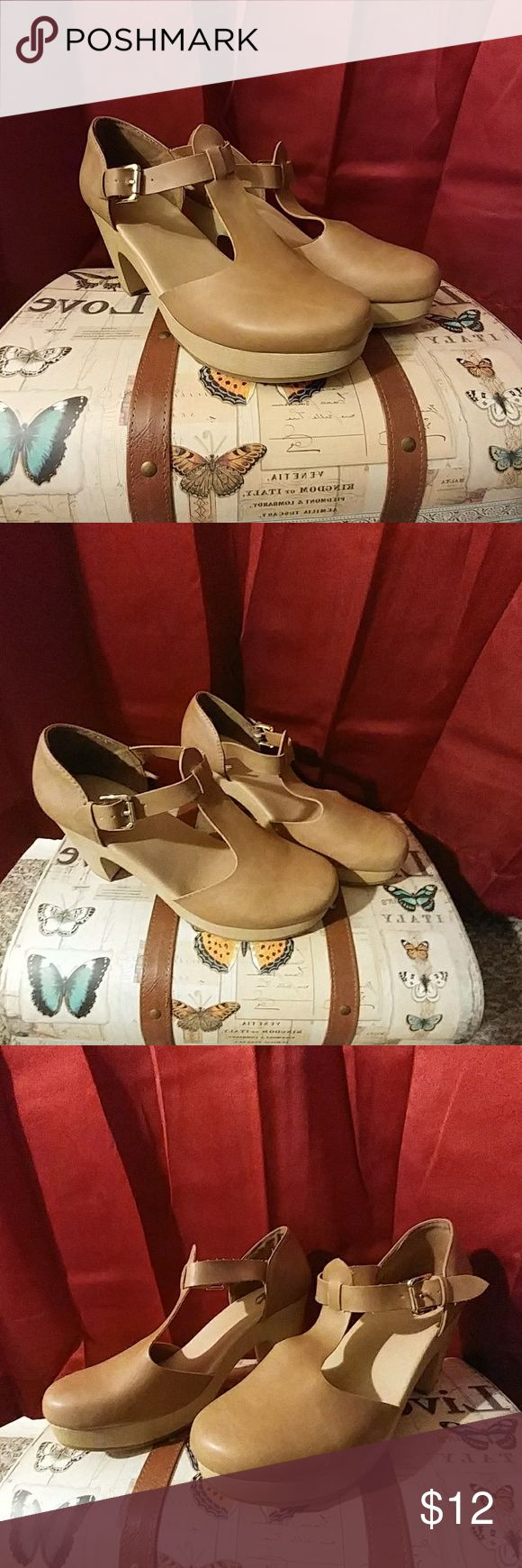 Heeled Clogs Never Worn, Heel: 1 3/4in. Old Navy Shoes Mules & Clogs
