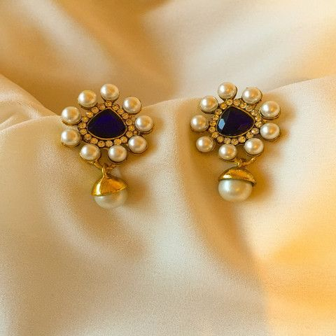 Traditional Gold Colour Pearl studded Earring Jewellery Set Indian Jhumka Wedding Bridal function wear.